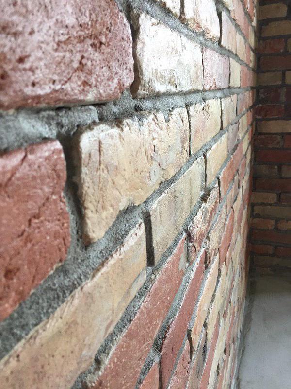 Обработка кирпичных стен под лофт (loft)