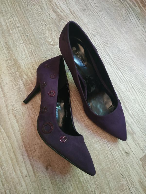 Фиолетовые туфли лодочки pavers на ногу 25см