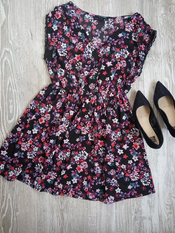 Легкое платье с кружевом на рукавах new look р12