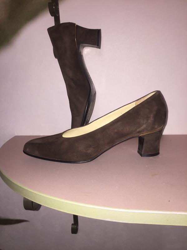 Легкие летние туфли лодочки на низком каблуке из натуральной к...