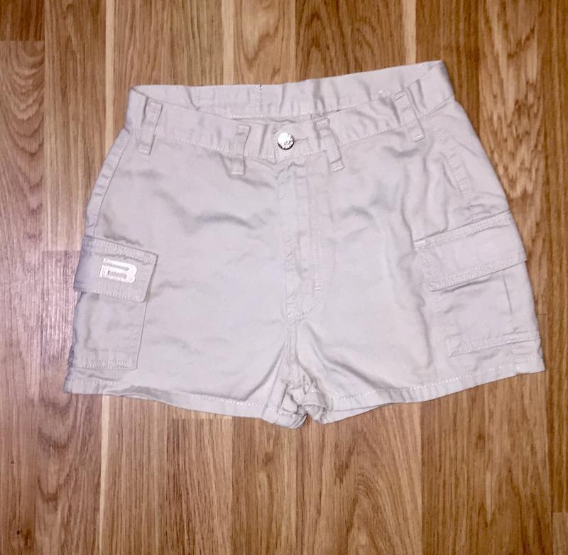 Летние короткие шорты из натуральной ткани