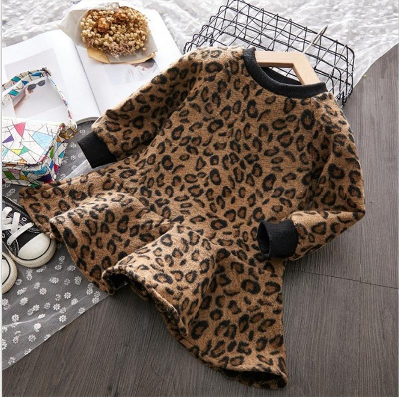 Теплое платье на флисе леопардовый принт