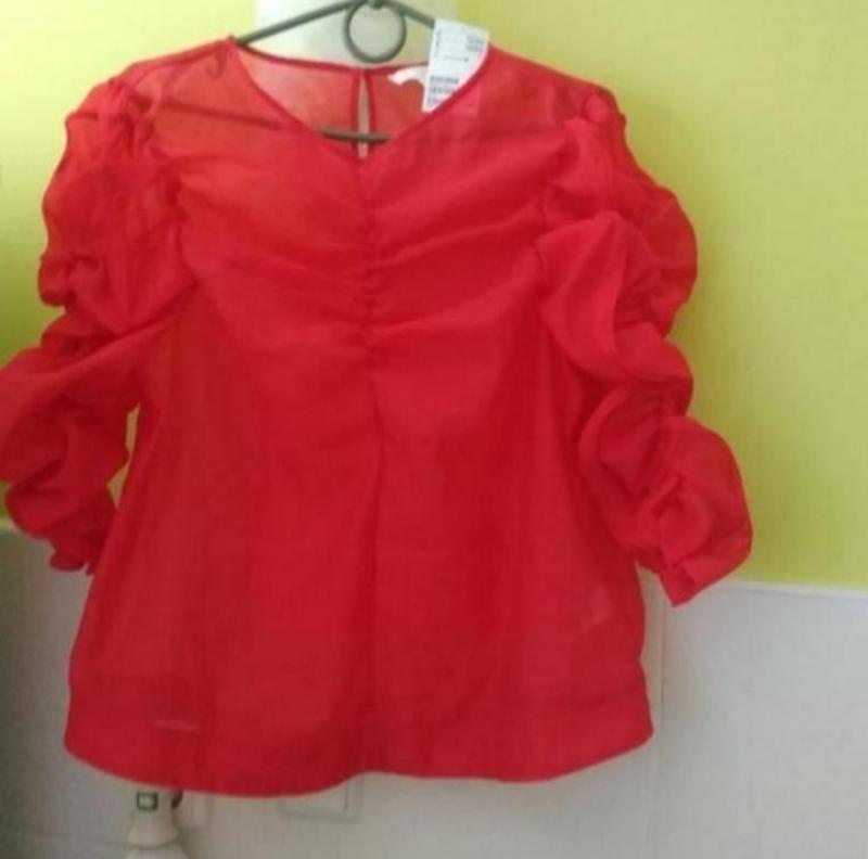 Актуальная трендовая блуза от h&m