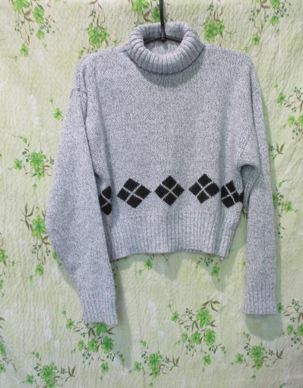 Стильный укороченный свитер под горло/кроп/оверсайз