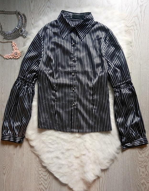 Натуральная шелковая рубашка блуза в полоску с рукавами волана...