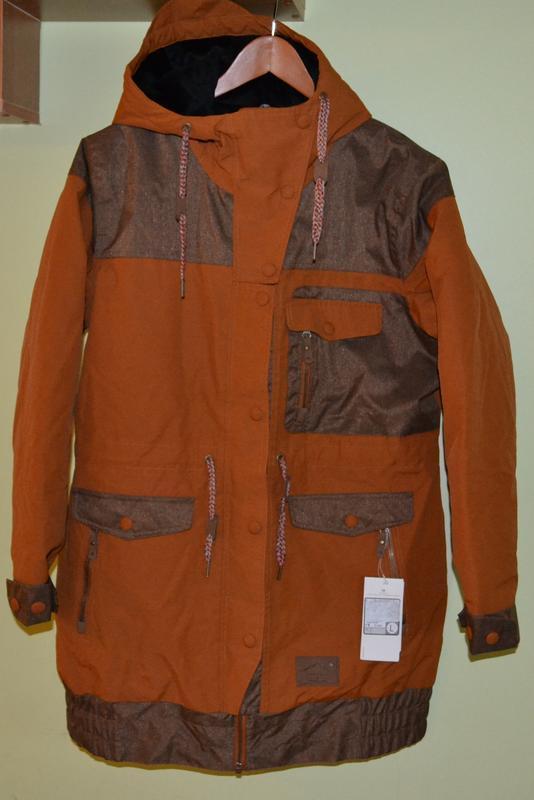 Пальто, длинная куртка, лыжная куртка термо c&a