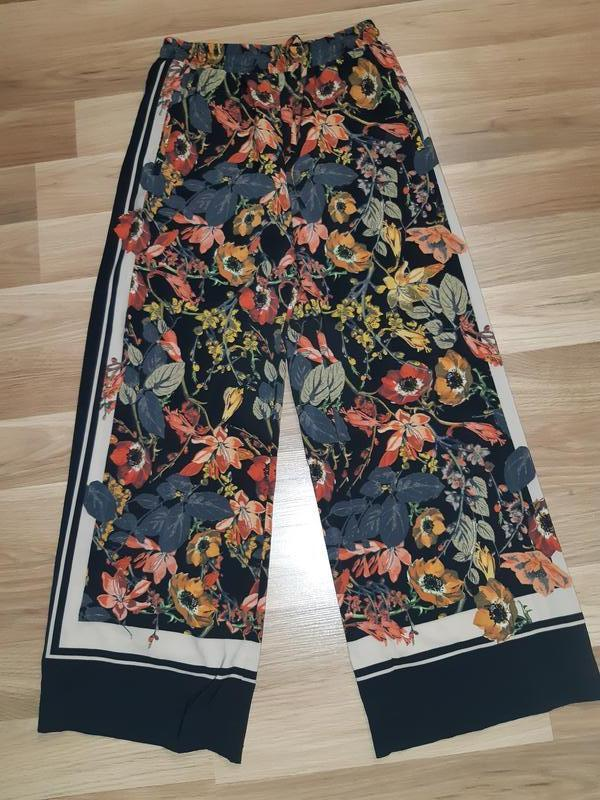 Штаны брюки кюлоты в цветочный принт