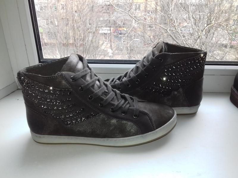 Новые кеды кроссовки ботинки 37