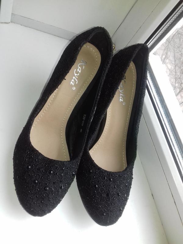 Новые елегантные ажурные туфли 40р