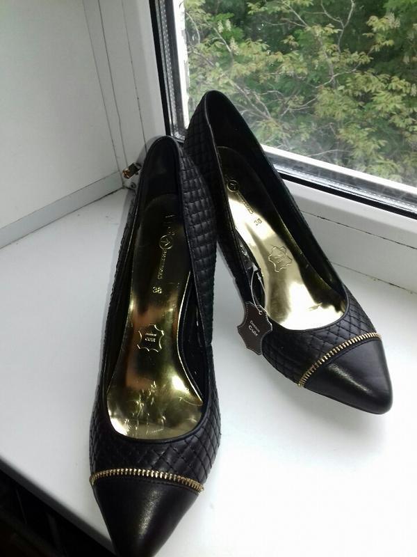 Эксклюзив. новые брендовые кожаные туфли.