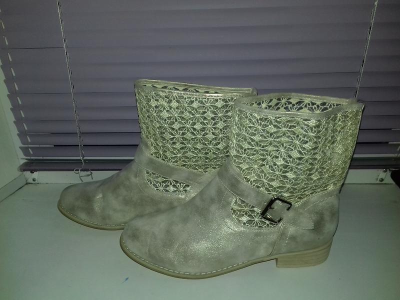 Стильные деми сапожки ботинки