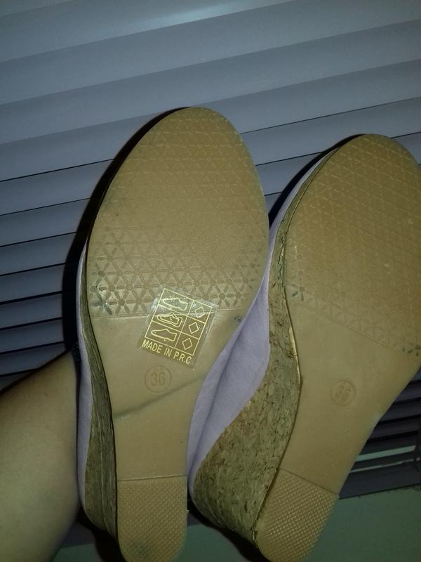 Уценка. новые туфли на танкетке 36 - Фото 4