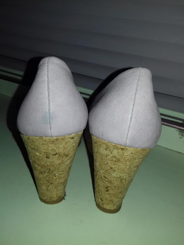 Уценка. новые туфли на танкетке 36 - Фото 6