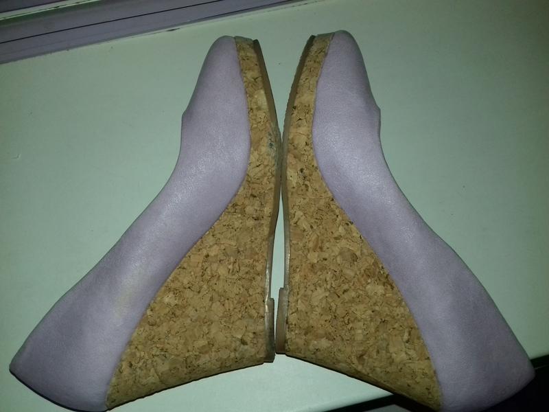 Уценка. новые туфли на танкетке 36 - Фото 7