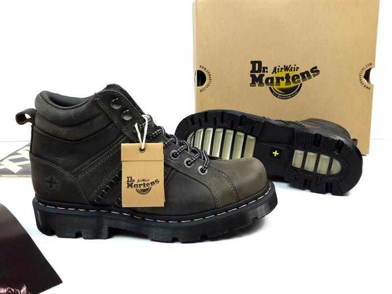Мужские кожаные ботинки dr. martens. оригинал.