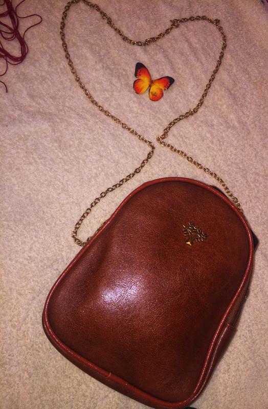 Женская сумочка в форме ракушки