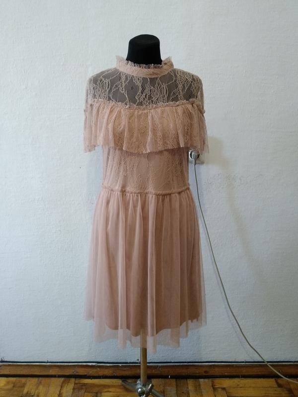 Стильное нарядное ажурное платье пудрового цвета
