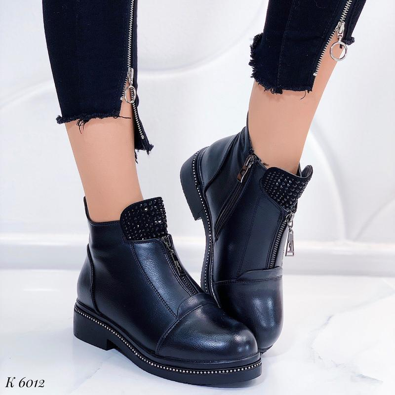 Зимние женские ботинки на низком каблуке,чёрные ботинки с молн...