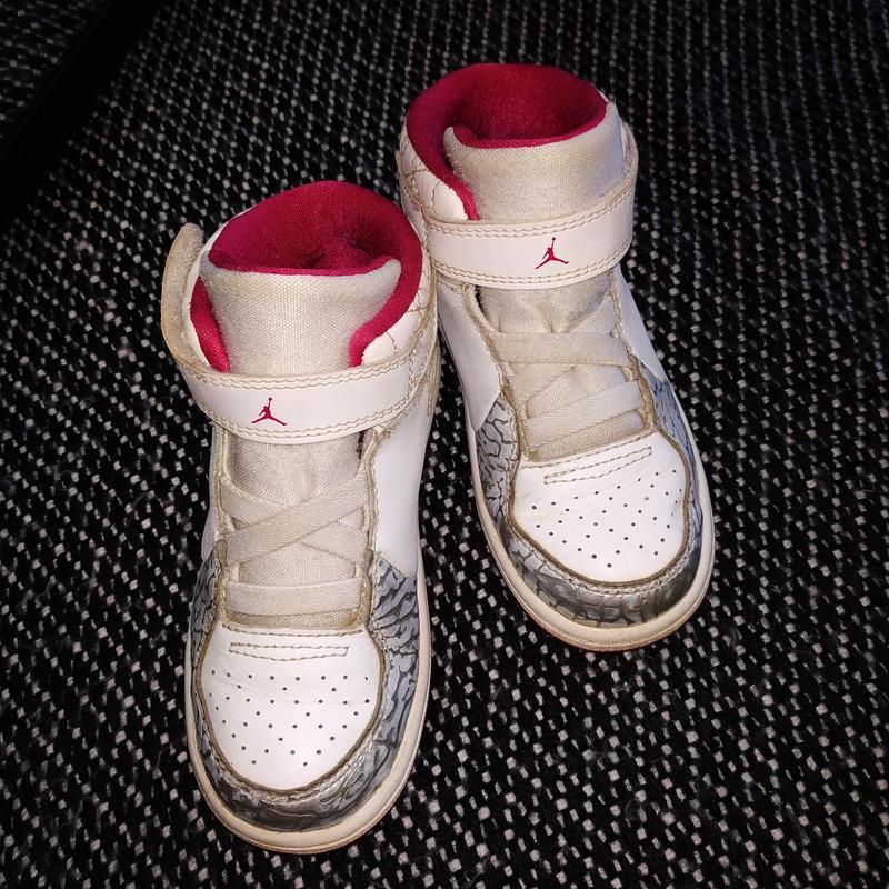 Детские оригинальные кроссовки jordan