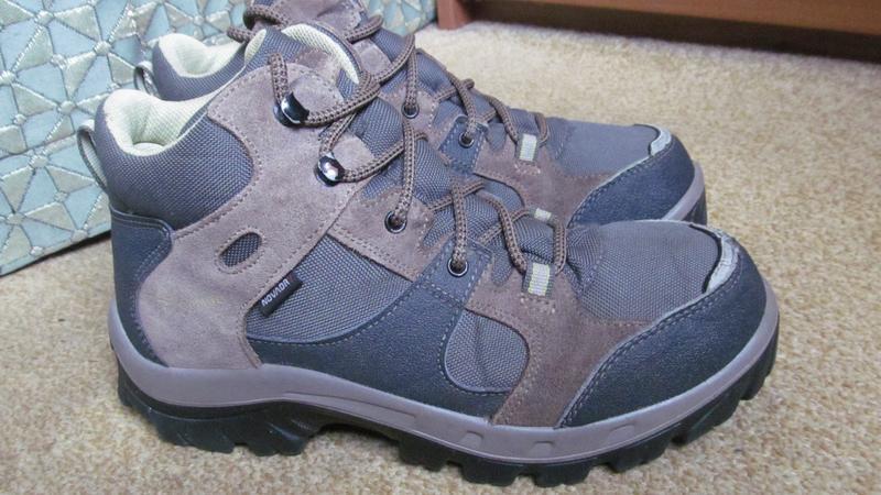 Ботинки  quechua р.37. оригинал