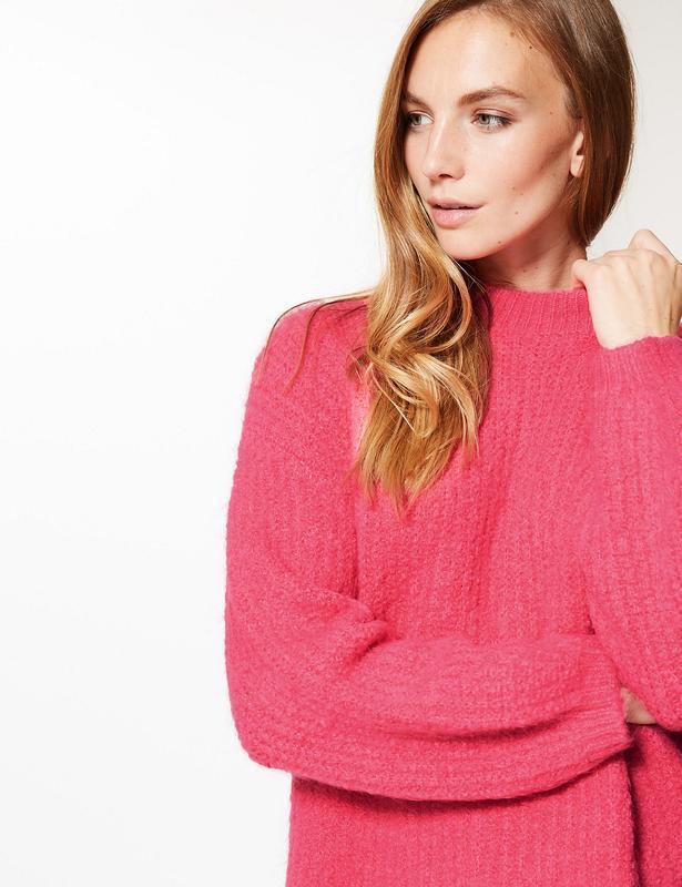 Теплый свитер ярко-розового цвета marks&spencer ярко-розовый п...