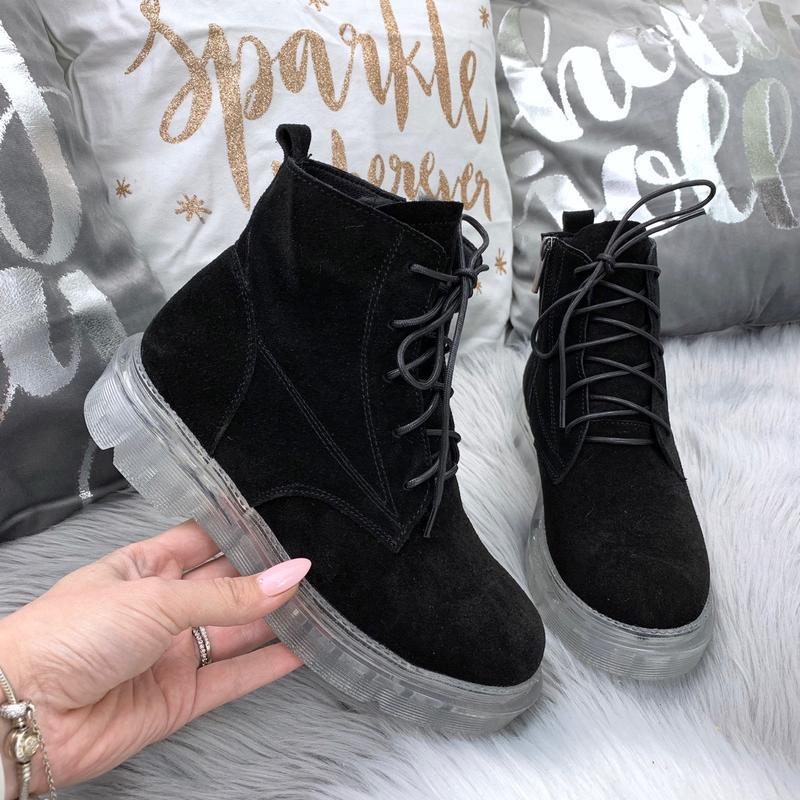 Натуральная замша. стильные зимние замшевые ботинки на модной ...