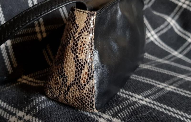Модная сумка багет из натуральной кожи