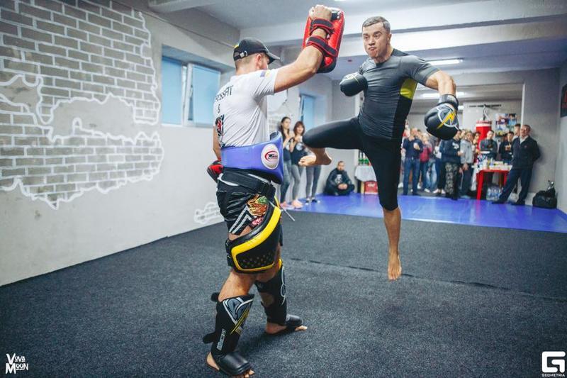 Тренировки по  тайскому боксу,кикбоксингу,боксу,кроссфиту - Фото 2