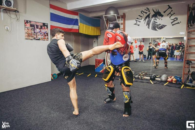 Тренировки по  тайскому боксу,кикбоксингу,боксу,кроссфиту - Фото 3