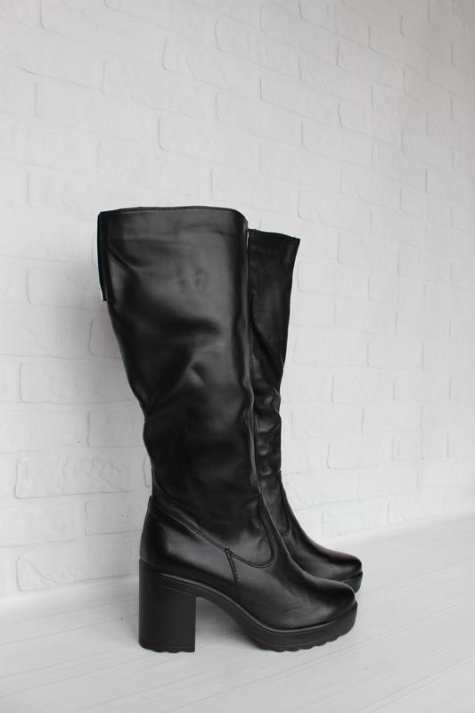 Зимние кожаные сапоги, сапожки 36, 40 размера на устойчивом ка...