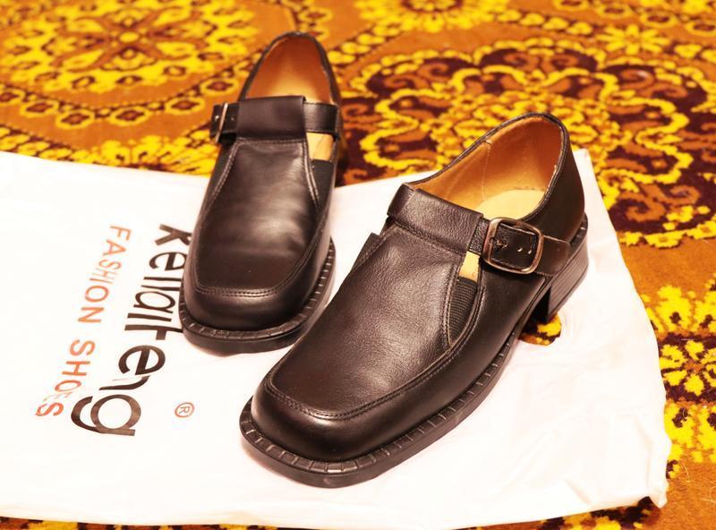 Черные кожаные туфли для девочки