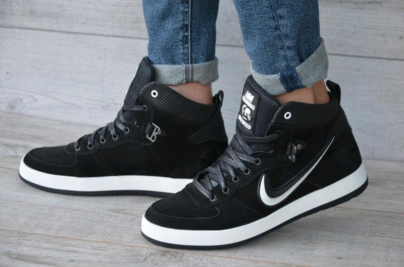 Зимние кроссовки на меху Nike. Натуральная кожа.