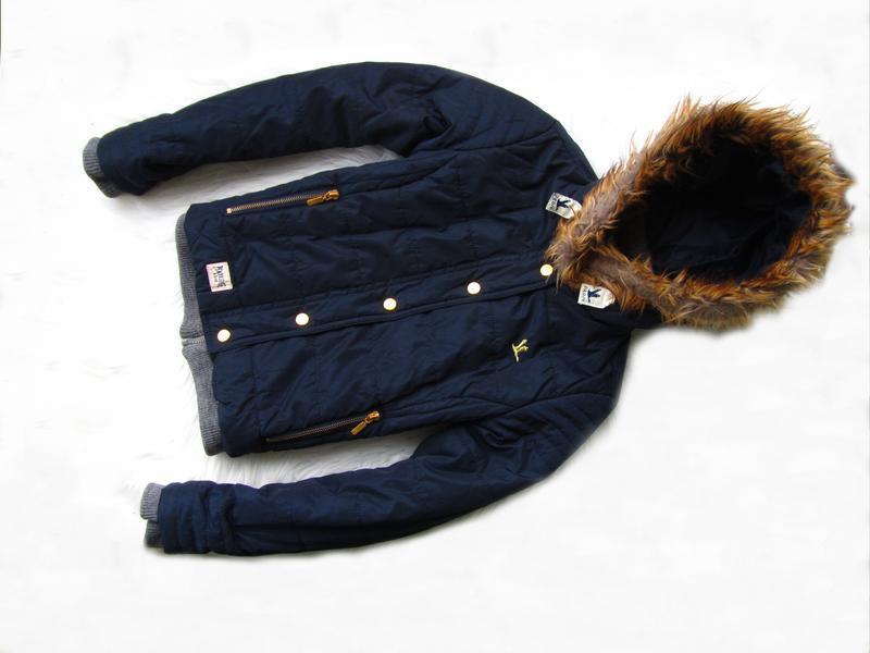 Стильная демисезонная куртка с капюшоном p&rc.