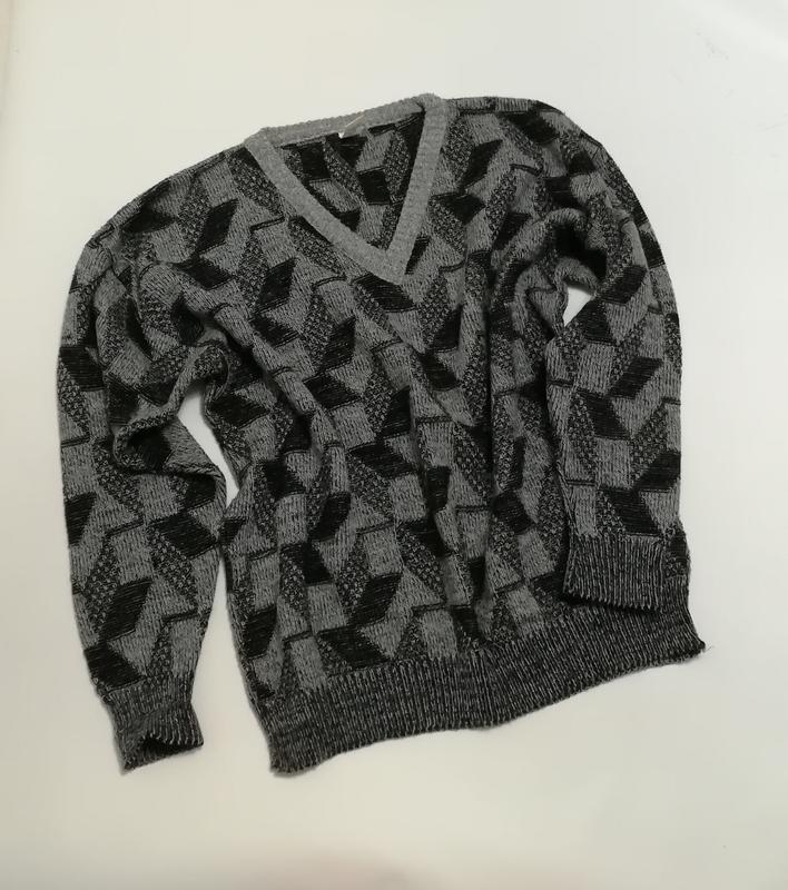 Классный теплый черно-серый пуловер