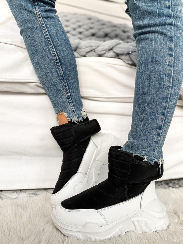 Черно белые сноубутсы зимние спортивные ботинки теплые