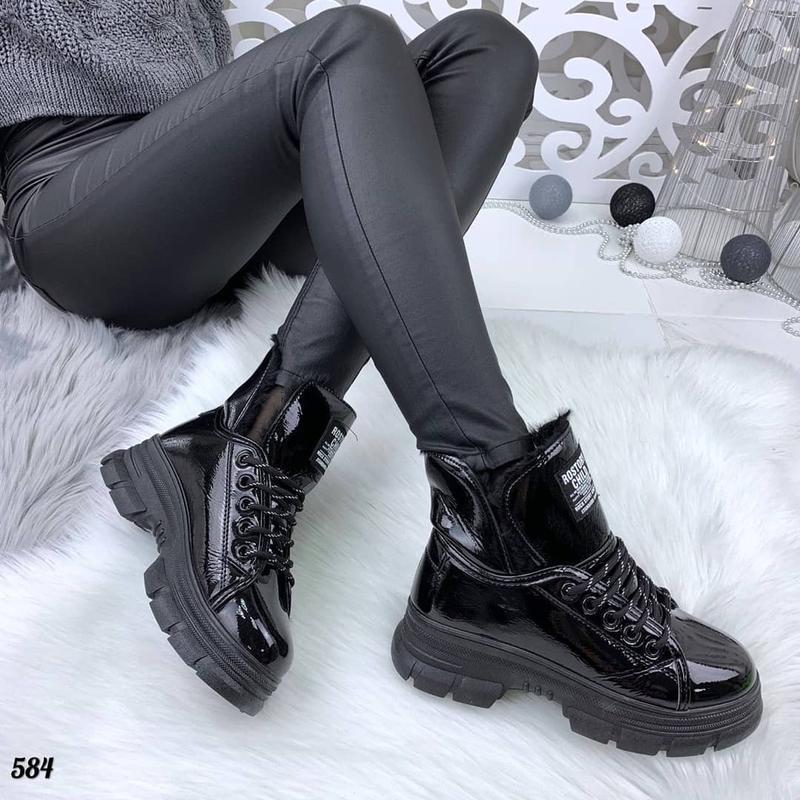 Новинка лаковые ботиночки