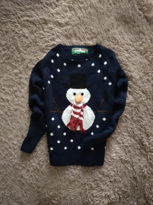 Красивий,новогодний свитерок от rebel,7-8 лет.