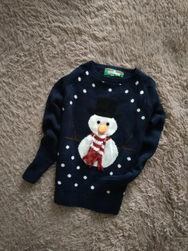 Красивий,новогодний свитерок от rebel,7-8 лет