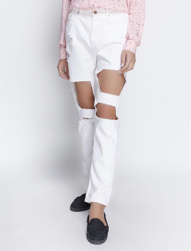 Летние высокие рваные джинсы бойфренд мом
