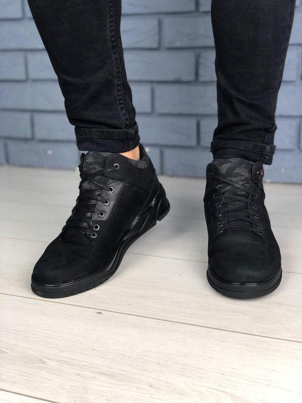 Мужские зимние черные ботинки из нубука - Фото 4