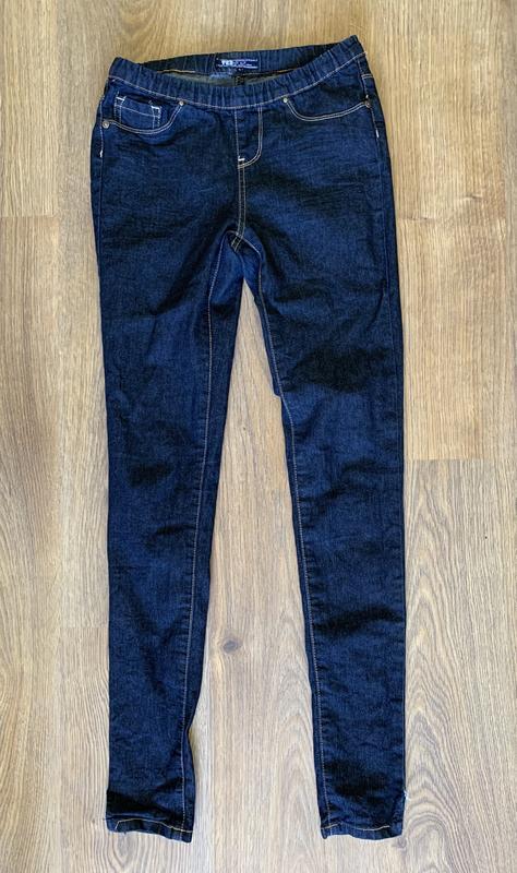 Чорні джинси, темні джинси, джинсы.