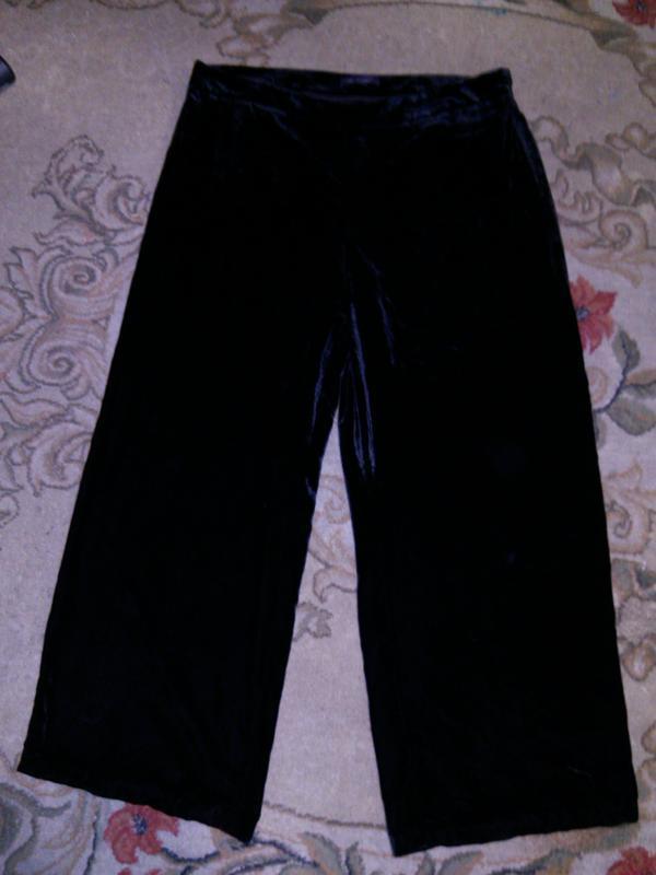 Бархатные-велюровые,угольно-чёрные,нарядные брюки,бол.18-20 ра...