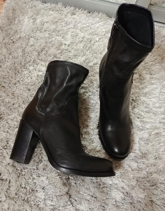 Шикарні черевички minelli нат.шкіра/еко-шкіра р.39.