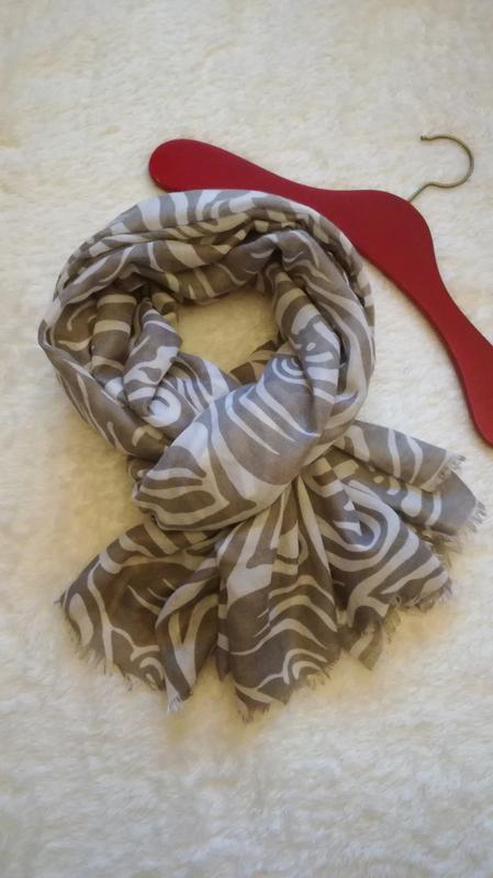 Большой широкий шарф с принтом «зебра»