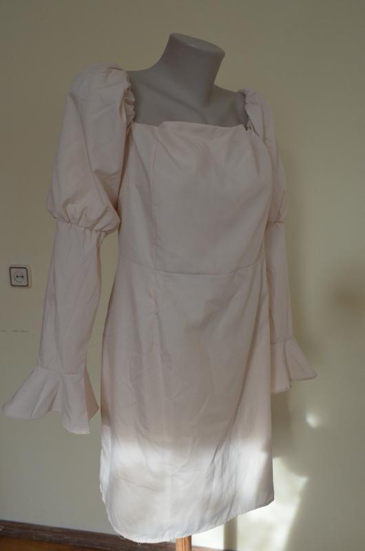 Шикарное стильное фирменное нарядное платье песочного цвета 54...