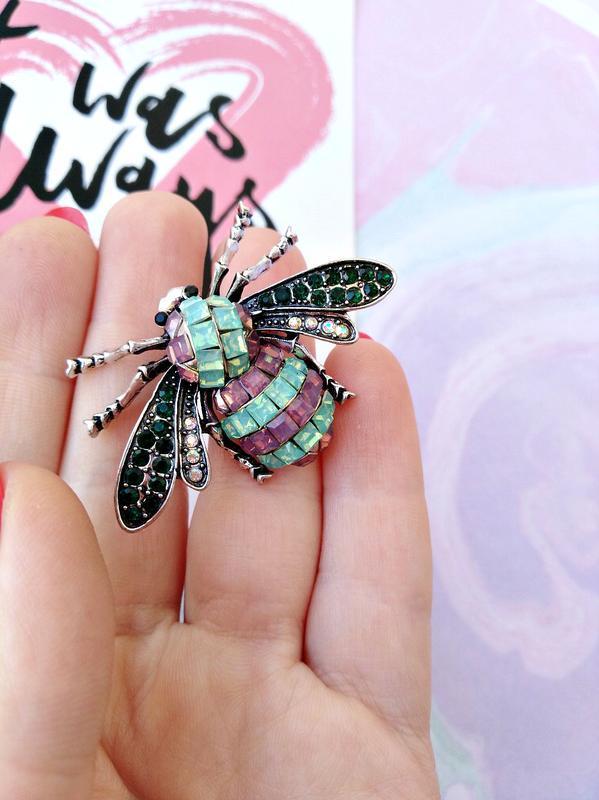 Брошь фантазийная муха/кристаллы/бирюзовый/фиолетовый/новая ко...