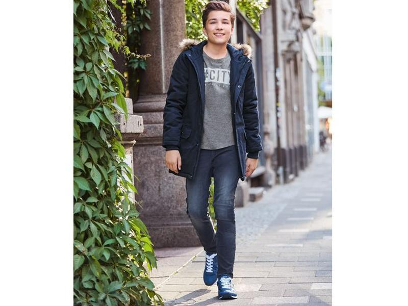 Стильные джинсы для мальчика ,рост146