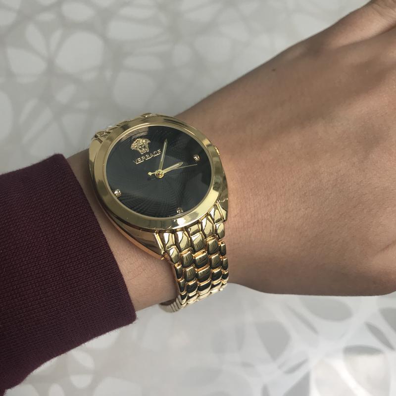 Женские наручные металлические часы золотистые с черным