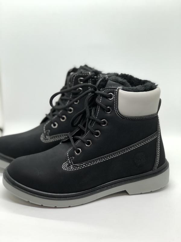 Зимние черные ботинки на меху