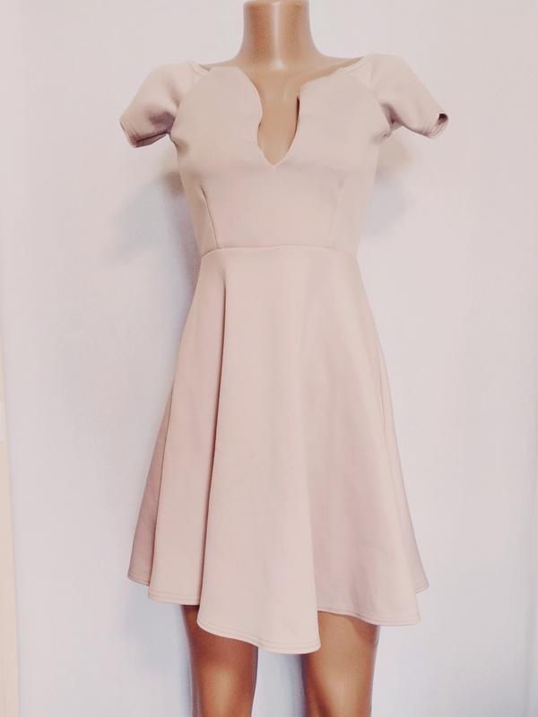 Платье женское розовое бежевое элегантное missguided
